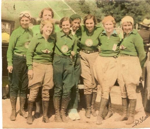 mc women standing 6 (jpg)